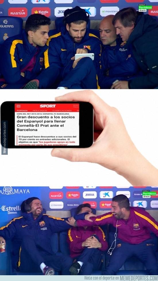 781817 - Empiezan las bromas en el banquillo del Barça