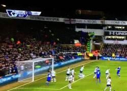 Enlace a GIF: El gol de Huth que coloca al Leicester como colíder de la Premier League