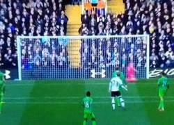 Enlace a GIF: El buen gol de Eriksen ante el Sunderland