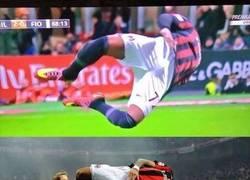 Enlace a Boateng vuelve a las andadas con su celebración en el Milan