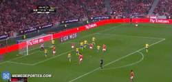 Enlace a GIF: Golazo de Espuela de Konstantinos Mitroglou en la liga Portuguesa
