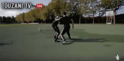 Enlace a GIF: ¡Balotelli humillado por un freestyler!