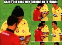 Enlace a Todo el mundo quiere a Ronaldinho