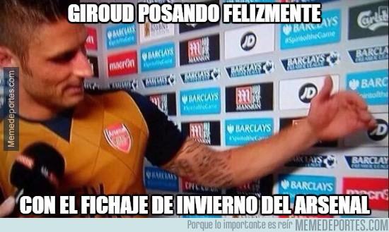 795294 - Giroud posando felizmente con el nuevo fichaje del Arsenal