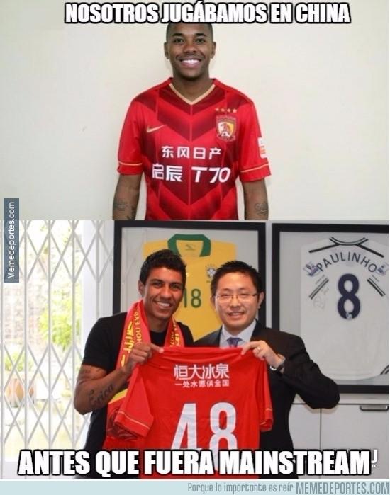 797183 - Robinho y Paulinho siendo pioneros en Asia