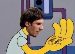 Enlace a Así se verían las manos de Marjanovic en los Simpsons