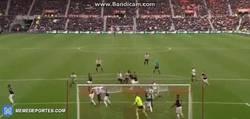 Enlace a GIF: El gol de Koné para darle la victoria al Sunderland frente al United