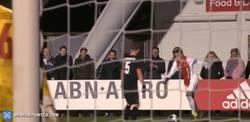 Enlace a GIF: Amago espectacular de Nouri, la joven promesa del Ajax