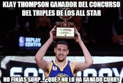Enlace a Klay Thompson ganador del concurso del triples de los ALL STAR