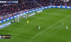 Enlace a GIF: El 6º gol del Barça al Celta. Golazo de vaselina de Neymar