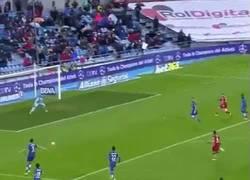Enlace a GIF: El Gol 101 de Torres para darle la victoria al Atlético contra El Getafe
