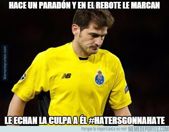 805605 - Los haters siempre al acecho de Casillas