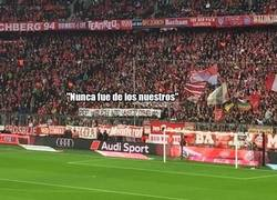 Enlace a La afición del Bayern carga contra Pep