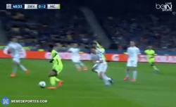 Enlace a GIF: Gooool de Silva que pone el 0-2 en el marcador