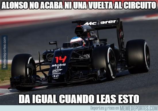809634 - Alonso no acaba ni una vuelta al circuito