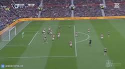 Enlace a GIF: Gol de Welbeck que recorta distancias ante el United