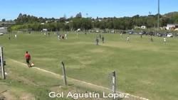 Enlace a GIF: El gol de portería a portería en Uruguay del sub 19 del Defensor Sporting que recorre el mundo