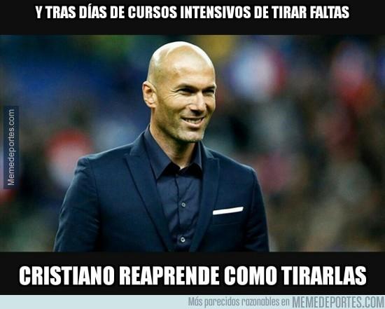 815956 - Zidane vuelve a enseñar a Cristiano a lanzar faltas