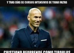 Enlace a Zidane vuelve a enseñar a Cristiano a lanzar faltas