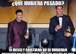 Enlace a ¿Qué hubiera pasado si Cristiano y Messi nunca se hubieran presentado en la Gala de Balón de Oro?