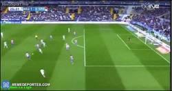 Enlace a GIF: Golazo de Juanpi para el Málaga ante el Sporting