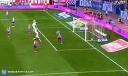 Enlace a GIF: GOL DE GRIEZMANN que hace el segundo ante el Deportivo