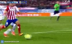 Enlace a GIF: Gol de Correa que hace el tercero contra el Depor