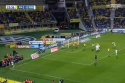 Enlace a GIF: Gooool de Sergio Ramos que adelanta al Madrid en Las Palmas