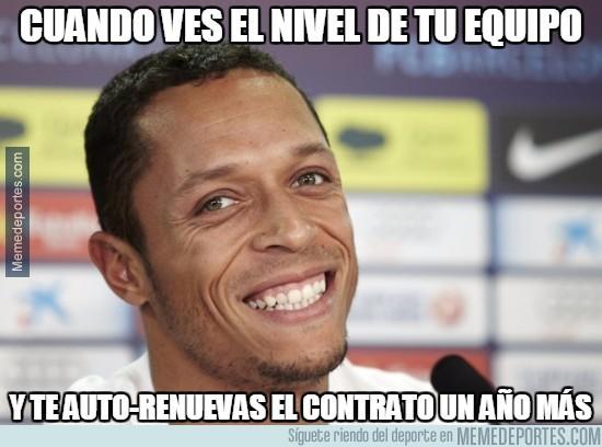 821434 - Adriano acepta la cláusula de renovación con el FC Barcelona