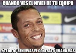 Enlace a Adriano acepta la cláusula de renovación con el FC Barcelona