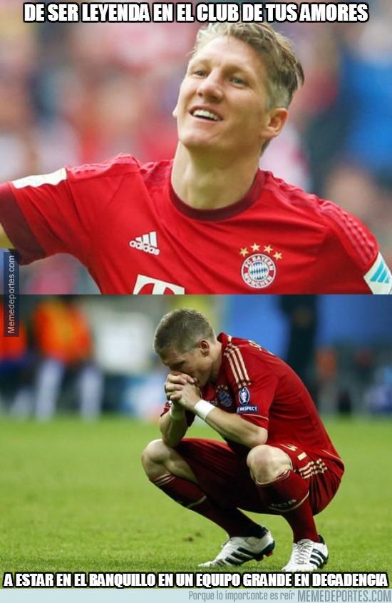 822471 - Pobre Schweinsteiger... :(