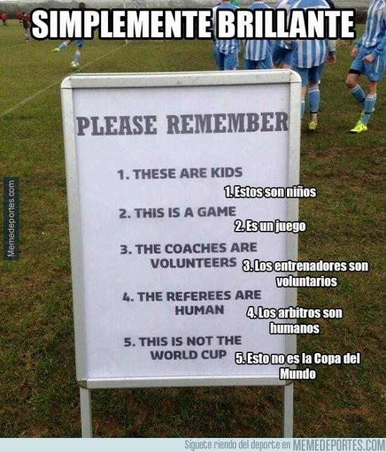 823857 - Enorme cartel en el fútbol infantil