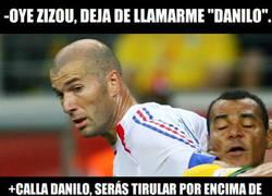 Enlace a Zidane confunde a Danilo con Cafú, por eso el brasilero siempre es titular...