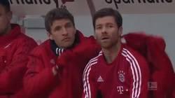 Enlace a GIF: Müller y su instinto maternal