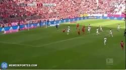 Enlace a GIF: Golazo de Ribery de chilena. ¡ESPECTACULAR!