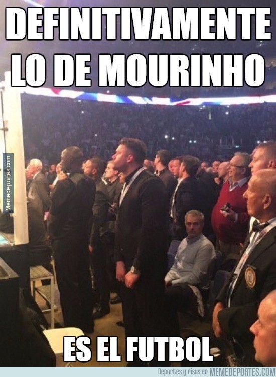 835192 - Mourinho viendo una pelea de boxeo
