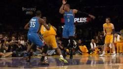 Enlace a GIF: Jugadón de Kobe Bryant, la Mamba Negra nos deja muchas jugadas para el recuerdo