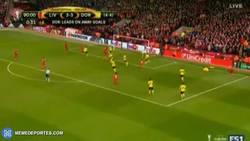 Enlace a GIF: Gol de Lovren en el 90 que pone el 4-3 para el Liverpool y pasa de ronda. ¡VIVA EL FÚTBOL!