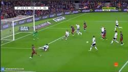 Enlace a GIF: ¡¡Llegó el gol de Messi!! Pone el 1-2 en el marcador. ¡El gol 500 en su carrera!