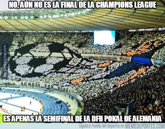842873 - Impresionante ambiente en la semifinal de la DFB Pokal