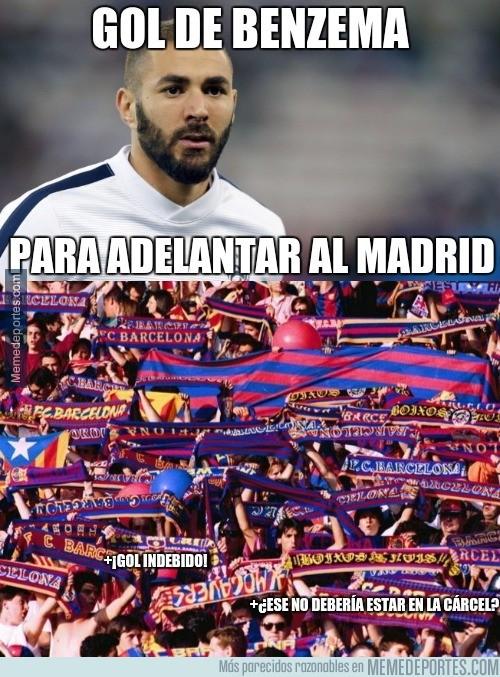 843218 - Aficionados del Barça tras el gol de Benzema
