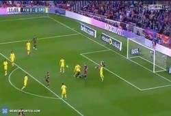 Enlace a GIF: Gol de Messi de cabeza al Sporting