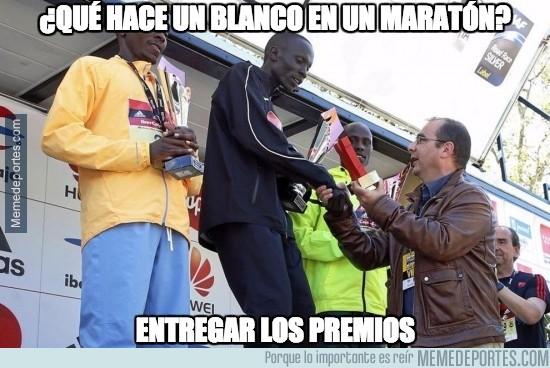 844962 - ¿Qué hace una persona de raza blanca en un maratón?