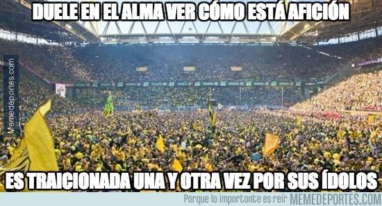 847242 - Los aficionados del Borussia Dortmund no se lo merecen