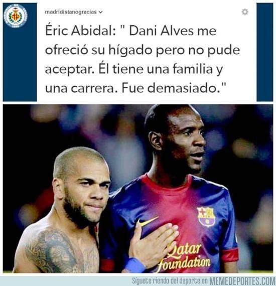847464 - Y luego dicen que Alves es mala persona...