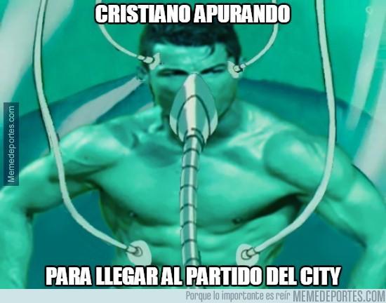 850025 - Cristiano apurando para llegar al partido del City