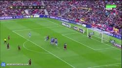 Enlace a GIF: ¡Golazo de tiro libre de Messi! La Liga se pone mucho mejor