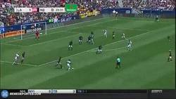 Enlace a GIF: Así fue el golazo de Giovani Dos Santos en la MLS