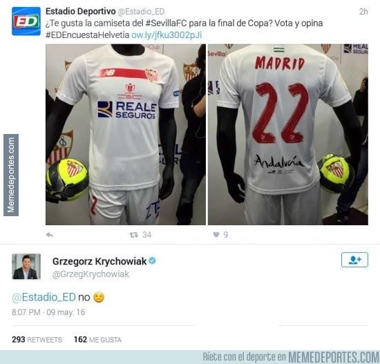 854449 - JAJAJAJAJA la respuesta de Krychowiak con la camiseta de la Copa