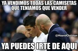 Enlace a James con pie y medio fuera del Real Madrid